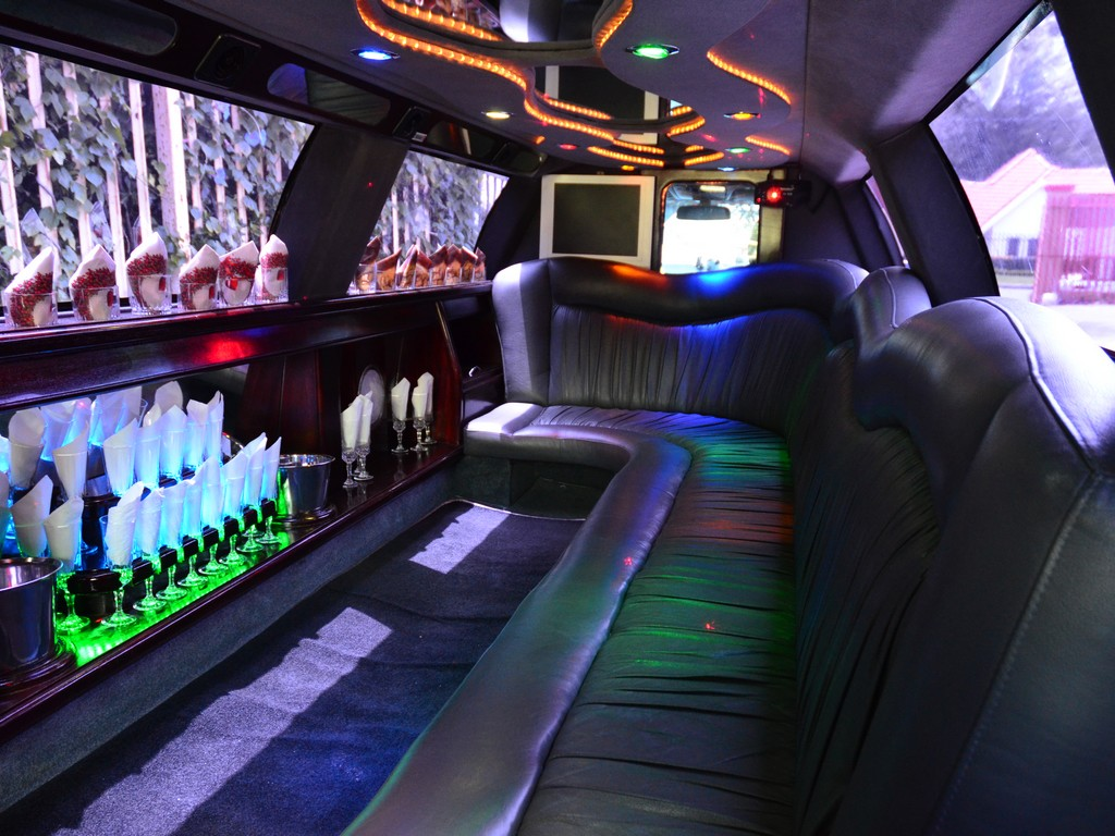 The Limo King Luxury Limousines Limousine Hire